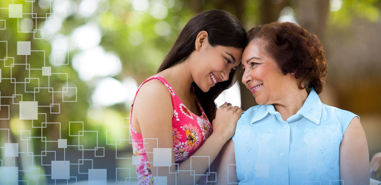 Jubilada se divierte con su nieta en el parque